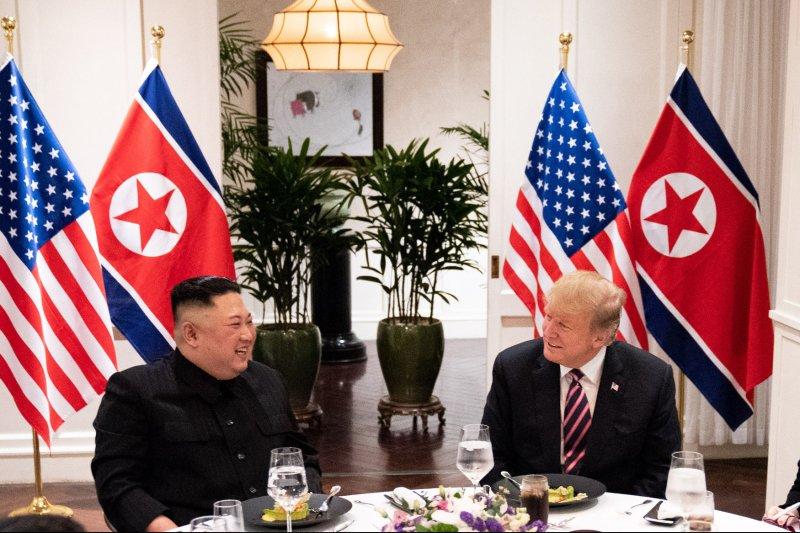 U.S. President Donald Trump and North Korean leader Kim Jong Un have dinner in Hanoi, Vietnam, on February 27. Photo by Shealah Craighead/White House