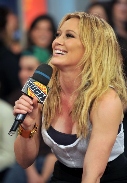 Singer and actress Hilary Duff stops by MuchMusic's street-level studio to chat with fans and promote the Blessings in a Backpack charity program in aid of at-risk children in schools in Toronto, Canada on March 6, 2009. (UPI Photo/Christine Chew)