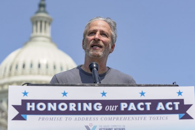 Jon Stewart pushes bill providing care to veterans exposed to toxic material