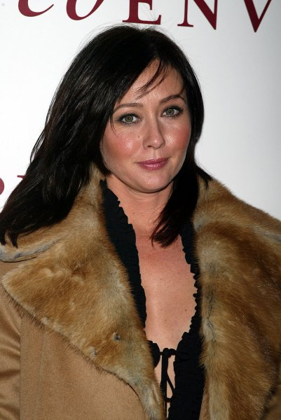 Shannen Doherty arrives for the Red Envelope Party at Opus 22 in New York on November 3, 2005. (UPI Photo/Laura Cavanaugh)