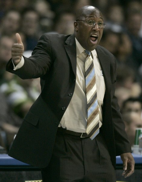 Cleveland Cavaliers head coach Mike Brown gestures during the first quarter against the Denver Nuggets at the Pepsi Center in Denver on November 12, 2007. The Nuggets beat the Cavaliers 122-100. (UPI Photo/Gary C. Caskey)