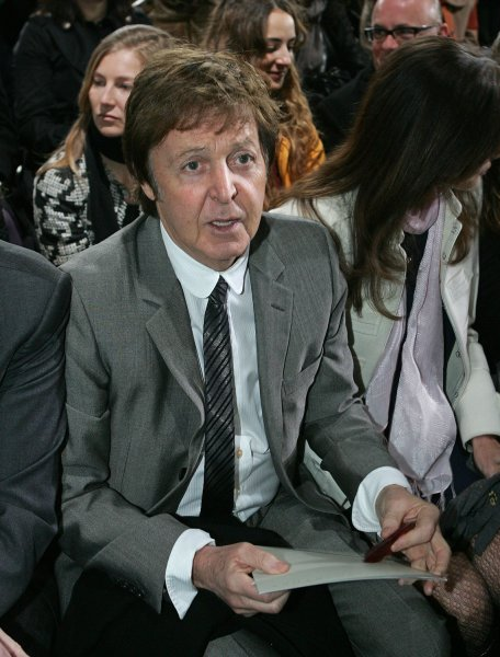 Famed Beatles singer Paul McCartney attends the presentation of his daughter, British fashion designer Stella McCartney, during the Fall-Winter 2009/10 Ready-to-Wear fashion shows in Paris, March 9, 2009. (UPI Photo/Eco Clement)