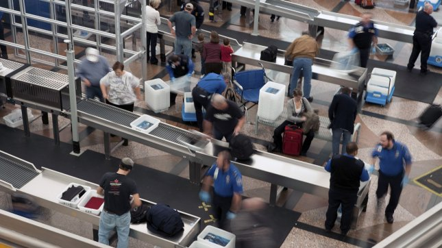 TSA: Change to prohibited items list delayed; no knives on ...