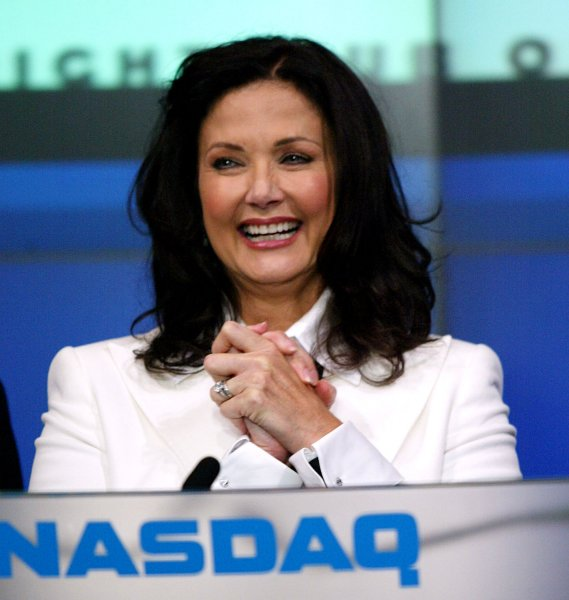 Actress Lynda Carter takes part in the closing bell ceremonies at the NASDAQ in New York on October 24, 2007. (UPI Photo/Laura Cavanaugh)
