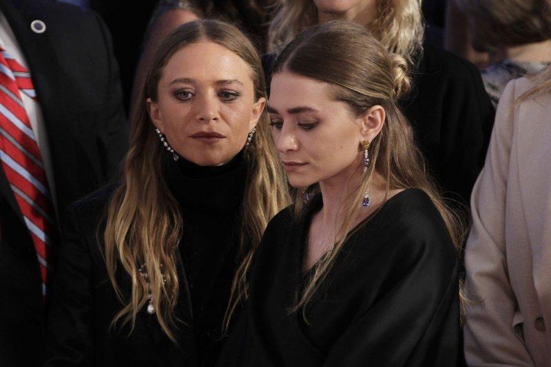 Mary Kate And Ashley Olsen Win Big At Cfda Fashion Awards Upi Com