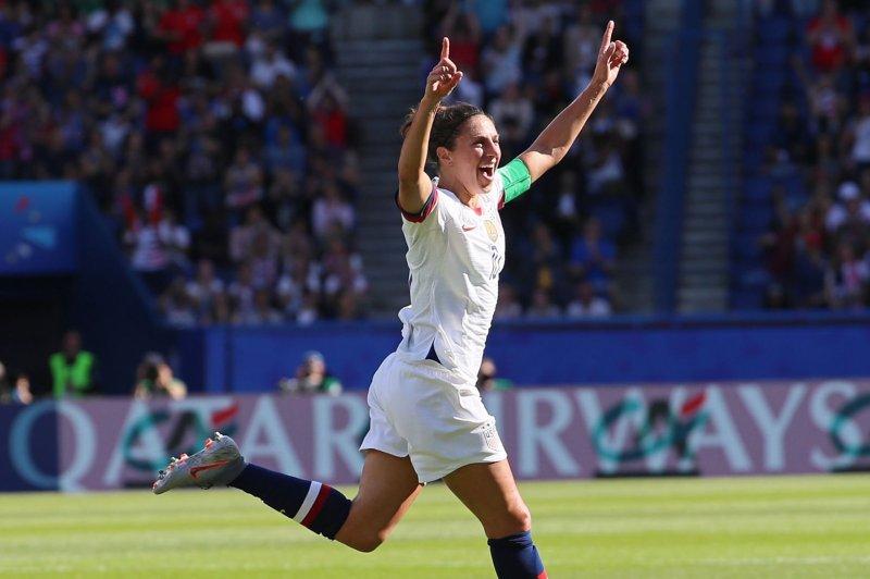 Soccer: Carli Lloyd scores five goals, U.S. women dominate Paraguay