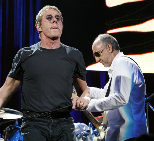 Singer Roger Daltry (L) and guitarist Pete Townshend of the band The Who, perform in concert at Bercy in Paris on June 6, 2007. (UPI Photo/David Silpa)