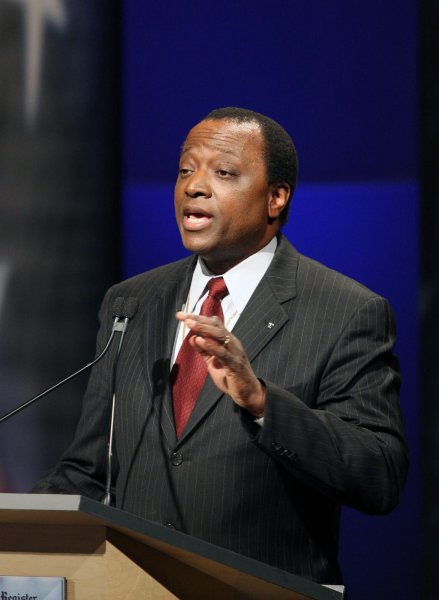 Ambassador Alan Keyes speaks at the Des Moines Register Republican Presidential Debate in Johnston, Iowa on December 12, 2007. This debate is the last before the Iowa caucuses. (UPI Photo/Andrea Melendez/POOL)