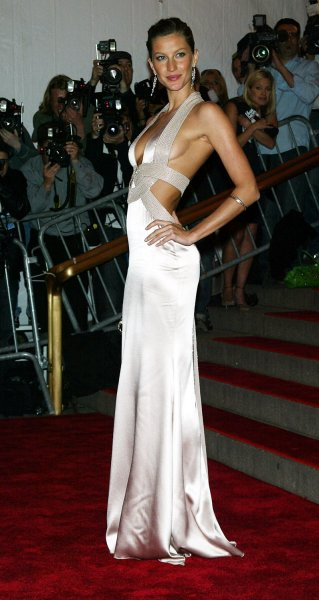 50abca32c45 Gisele Bundchen arrives at the Metropolitan Museum of Art s Costume  Institute Gala in New York on May 5