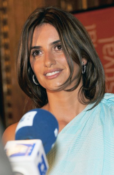 Actress Penelope Cruz arrives for the premiere of Broken Embraces at the Elgin Theater on opening night of the Toronto International Film Festival in Toronto, Canada on September 10, 2009. UPI /Christine Chew
