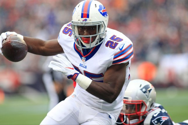 Buffalo Bills RB LeSean McCoy (25), seen here against the New England Patriots earlier in the season, piled up 191 yards from scrimmage, 130 rushing and 61 on seven pass receptions as he averaged eight yards on his 24 touches during the Bills 38-24 loss to Oakland. File Photo by Matthew Healey/ UPI