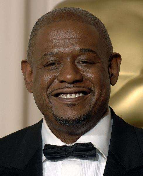 Forrest Whitaker poses for photos after winning the Oscar for Best Actor in a Leading Role for The Last King of Scotland at the 79th Annual Academy Awards at the Kodak Theatre in Hollywood, California, on February 25, 2007. (UPI Photo/Phil McCarten)