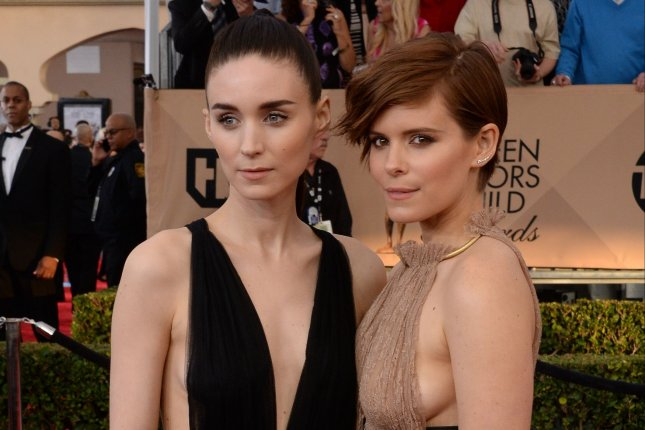 Kate Mara (R) and sister Rooney Mara at the Screen Actors Guild Awards on Saturday. Photo by Jim Ruymen/UPI