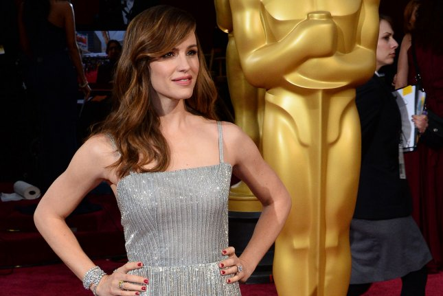 Actress Jennifer Garner arrives on the red carpet at the 86th Academy Awards at the Hollywood and Highland Center in the Hollywood section of Los Angeles on March 2, 2014. UPI/Jim Ruymen