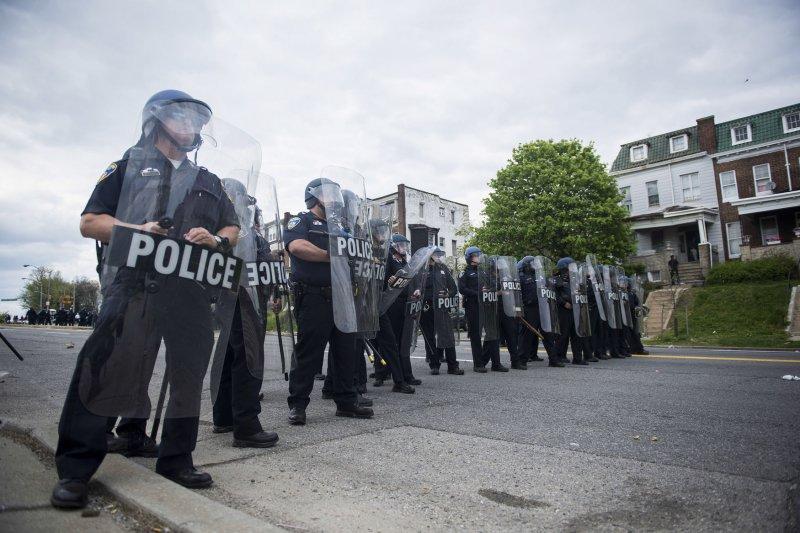 'Political dancer' Dimitri Reeves moonwalks, shuffles amid unrest