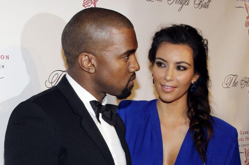 Kim Kardashian rants about parenthood on Twitter, posts bathroom selfie