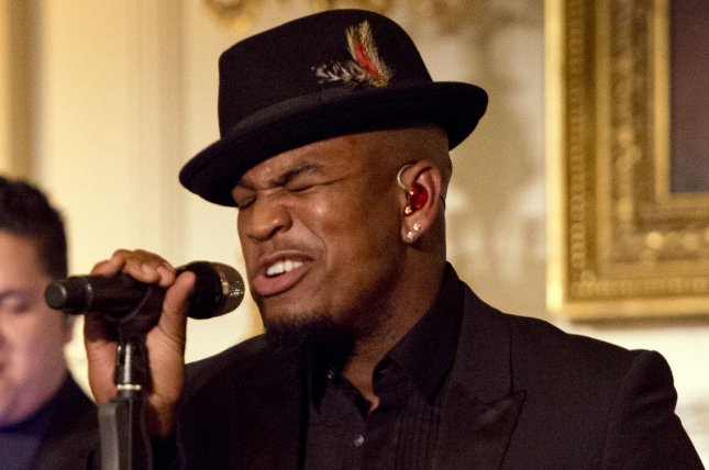 Ne-Yo performs for United States President Barack Obama and President XI Jinping of China during a state dinner at the White House in Washington, DC on September 25, 2015. Pool photo by Ron Sachs/UPI