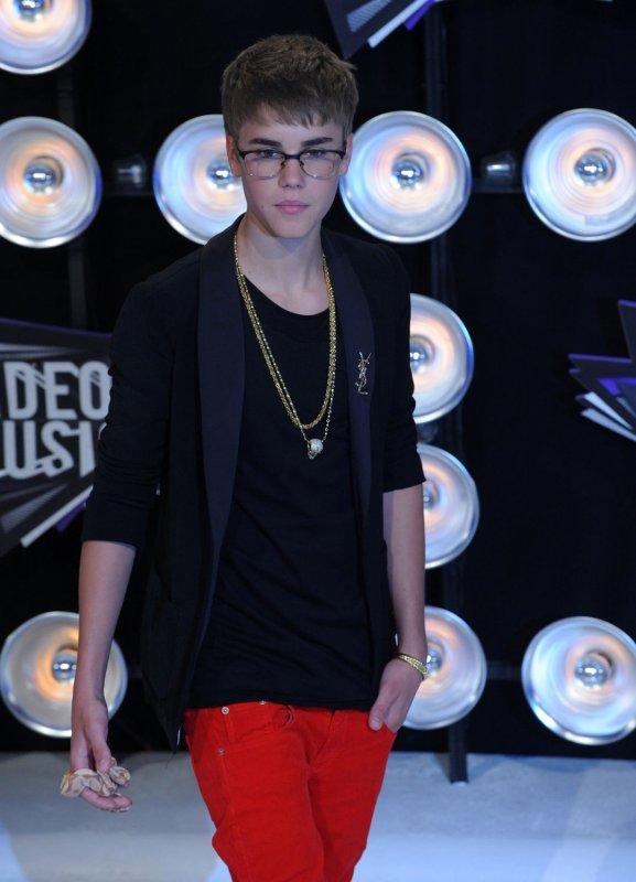 Hype builds for Bieber Christmas CD - UPI.com