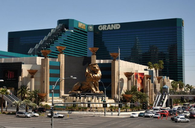 MGM Mirage backers mull debt-for-equity