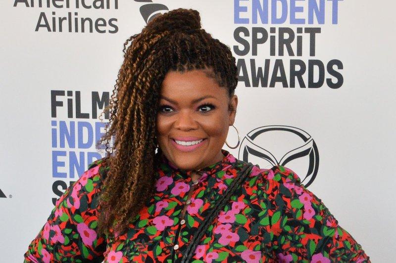 Yvette Nicole Brown said she begged Community creator Dan Harmon to let Malcolm-Jamal Warner play her on-screen husband. File Photo by Jim Ruymen/UPI