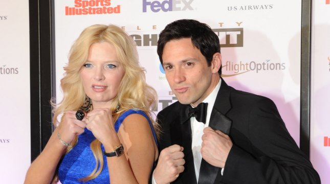 Steve Kazee (R), with Melissa Peterman, was nominated for a Tony Award for his role in Once. UPI /Art Foxall