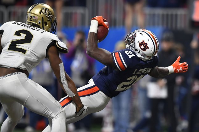 Lions announce signing of Kerryon Johnson, Frank Ragnow