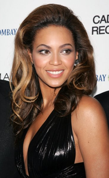 Beyonce Knowles arrives for the premiere of Cadillac Records at the AMC Loews Theater in New York on December 1, 2008. (UPI Photo/Laura Cavanaugh)