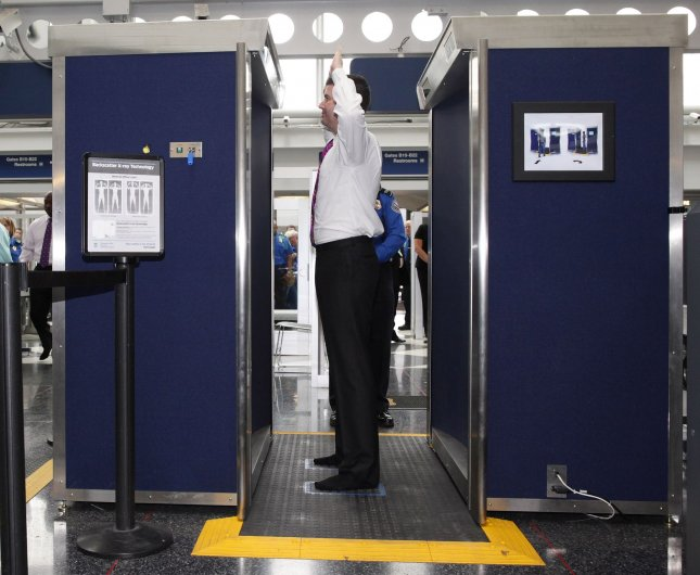 Airport body scanners optional in U.S.