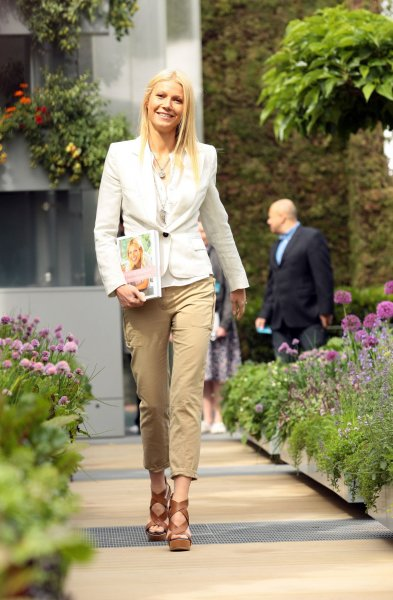 American actress Gwyneth Paltrow promotes her new cookery book at the Chelsea Flower Show 2011 in Chelsea, London on Monday May 23 2011. UPI/Hugo Philpott.
