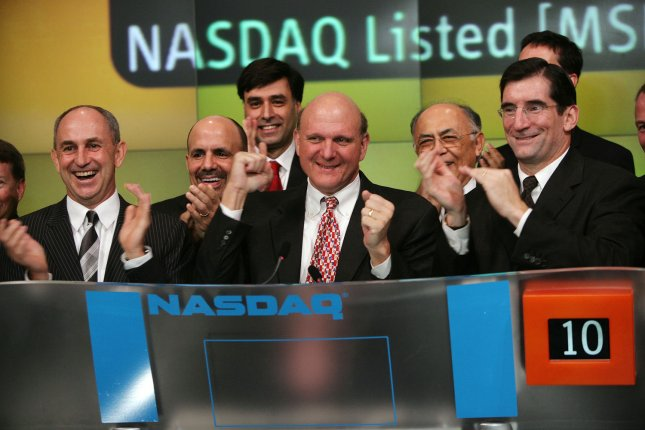 Microsoft Chief Executive Officer Steve Ballmer (C) rings the opening bell to mark launch of Windows Vista, the 2007 office system and exchange server, at NSADAQ ..in New York on November 30, 2006. (UPI Photo/Bob Greifeld/NASDAQ)