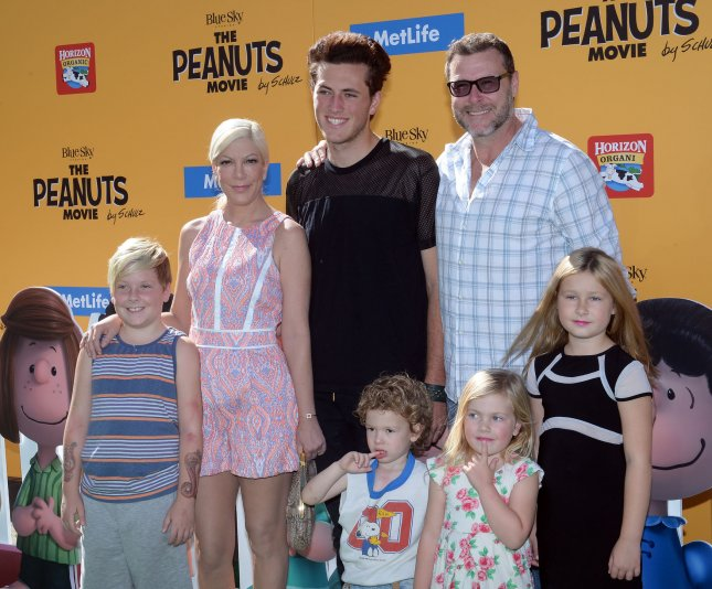 Tori Spelling and husband Dean McDermott with their four children and the actor's son from his previous marriage at the Los Angeles premiere of 'The Peanuts Movie' on November 1, 2015. Photo by Jim Ruymen/UPI