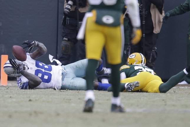 Packers Shields Says Dez Bryant Made The Catch Upi Com