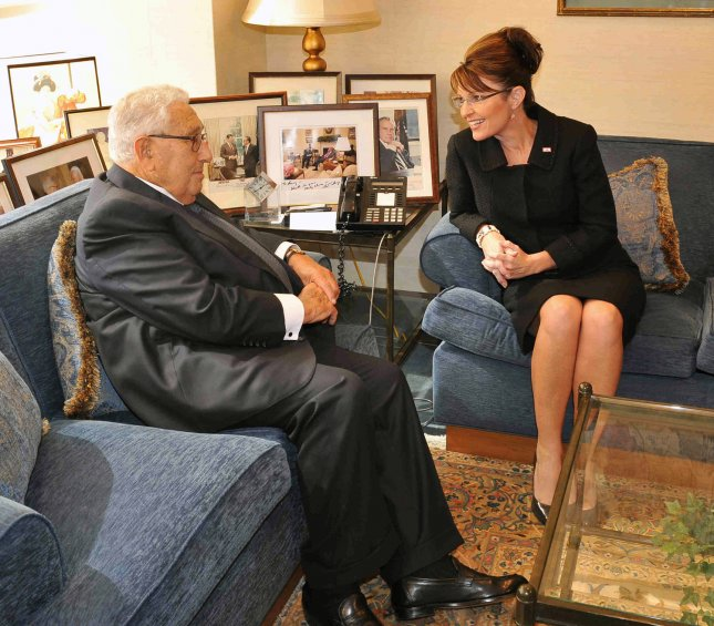 Republican Vice Presidential candidate Alaskan Gov. Sarah Palin (R) meets with former secretary of state Henry Kissinger inside the Columbia Missionin in New York on September 23, 2008. (UPI Photo/Paul Martinka/POOL)