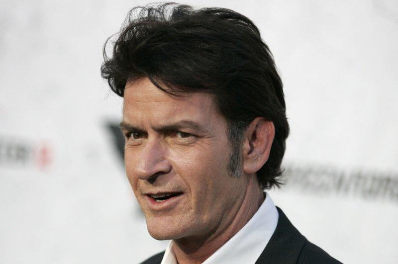 Charlie Sheen Accused Of Pulling Knife On Dentist Upicom