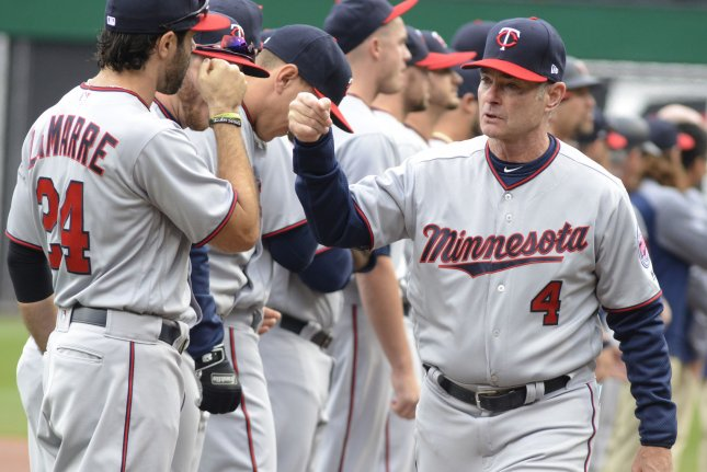 Minnesota Twins manager Paul Molitor (4) greets his team before the start of the game against the Pittsburgh Pirates on Opening Day on April 2 at PNC Park in Pittsburgh, Pa. Photo by Archie Carpenter/UPI