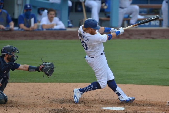 Los Angeles Dodgers third baseman Justin Turner extends his hitting streak to 12 games with a two-out RBI single in the sixth inning against the Seattle Mariners Tuesday at Dodger Stadium in Los Angeles. The Dodgers won 2-1. Photo by Jim Ruymen/UPI