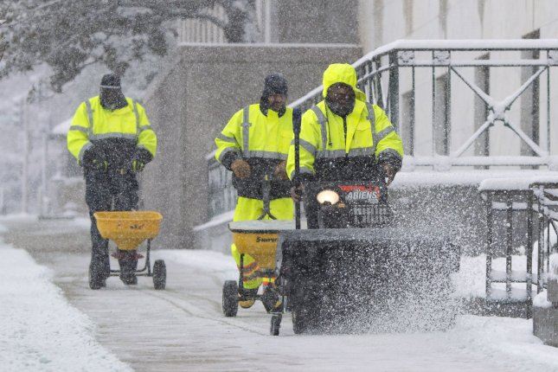 Severe weather prompts Enbridge oil pipeline closure - UPI com