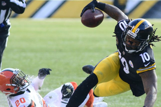 Former Pittsburgh Steelers wide receiver Martavis Bryant (10) will apply for reinstatement in the coming weeks. Bryant has been suspended three times in the last four years for violating the NFL's substance abuse policy. File Photo by Archie Carpenter/UPI
