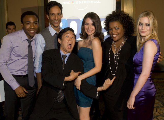 Donald glover to appear in five episodes of 39 community for Community tv show pool episode