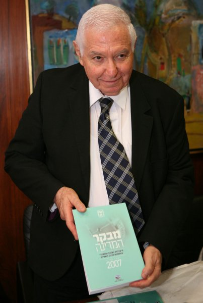 Then Israeli State Comptroller Micha Lindenstrauss in July 18, 2007. (UPI Photo/Menahem Kahana/POOL)