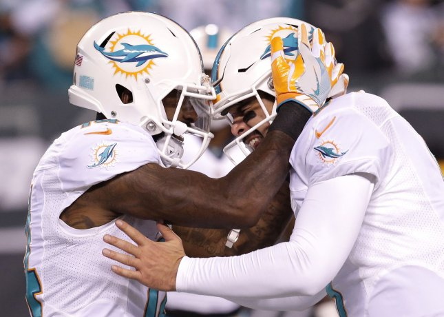 Dolphins give Jarvis Landry permission to seek trade
