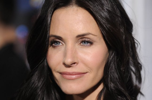 Cast member Courteney Cox attends the premiere of the film Bedtime Stories in Los Angeles on December 18, 2008. (UPI Photo/ Phil McCarten)
