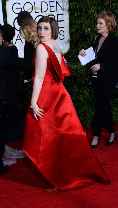 Lena Dunham's reacts to seeing self next to towering Taylor Swift, Gigi Hadid
