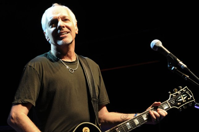 Peter Frampton diagnosed with degenerative muscle disease