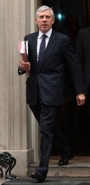 Justice Minister Jack Straw leaves No.10 Downing Street after his cabinet meeting with British Prime Minister Gordon Brown in London on June 9, 2009. Prime Minister Brown made some new appointments to his cabinet following criticism on his leadership. (UPI Photo/Hugo Philpott)