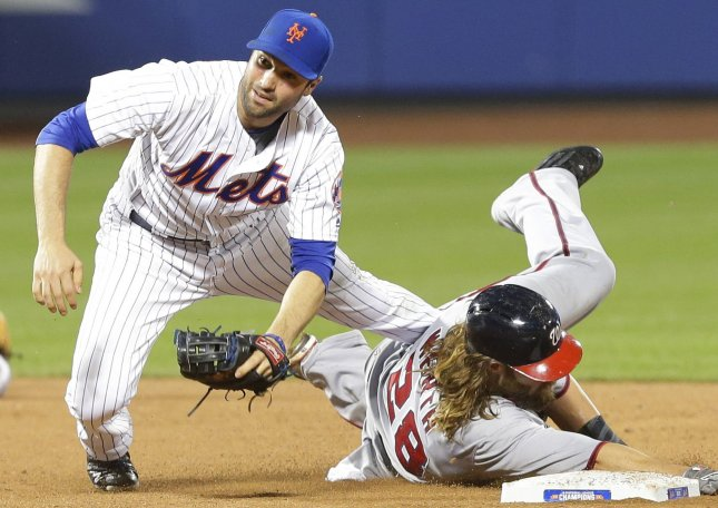 Mets Trade Second Baseman Neil Walker to Brewers