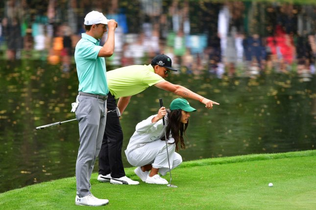 Rickie Fowler announces engagement to Allison Stokke