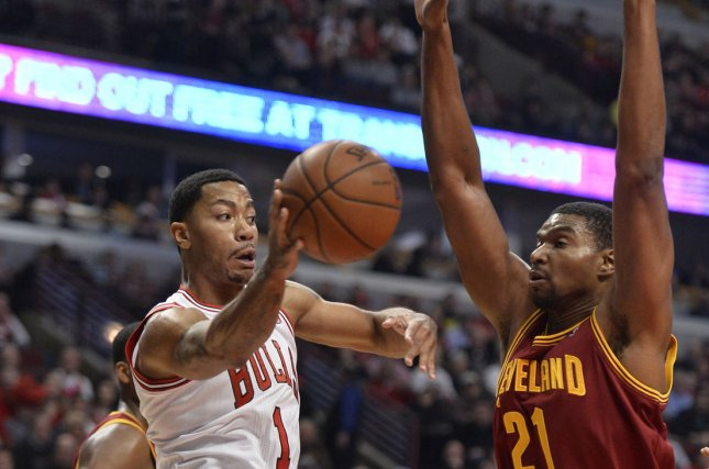 Andrew Bynum makes debut with Indiana - UPI.com