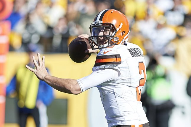 d2cae3d845a Cleveland Browns quarterback Johnny Manziel (2) passes to Travis Benjamin  for 6 yards during the first quarter against the Pittsburgh Steelers at  Heinz ...