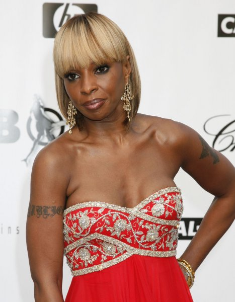 Singer Mary J. Blige arrives at the amfAR Cinema Against AIDS 2008 gala taking place during the 61st Annual Cannes Film Festival near Cannes, France on May 22, 2008. The event raises funds for AIDS research. (UPI Photo/David Silpa)